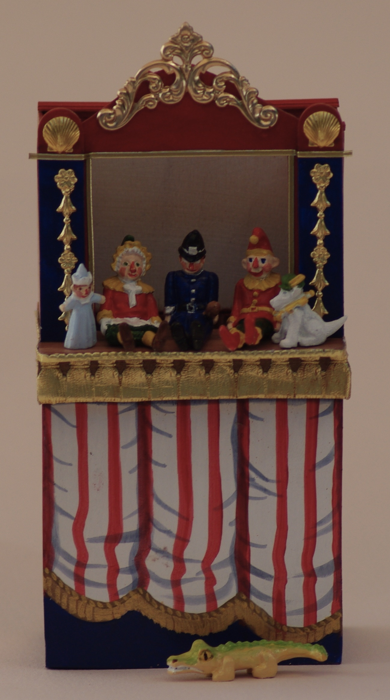 PUNCH & JUDY SHOW + PUPPETS
